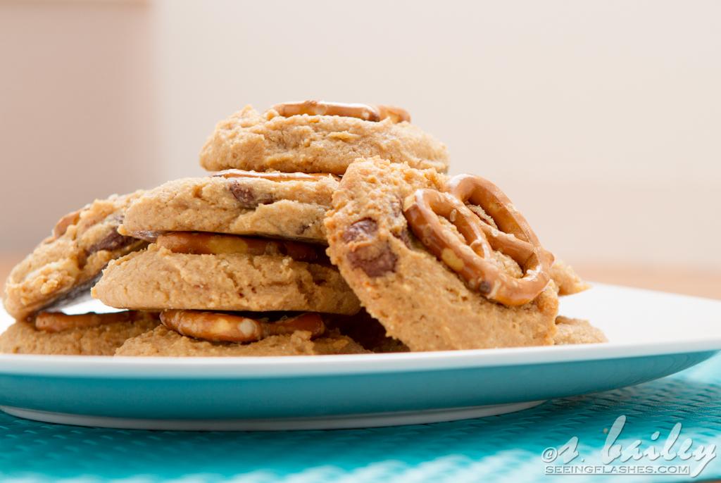 peanutbutterpretzel_cookies-11