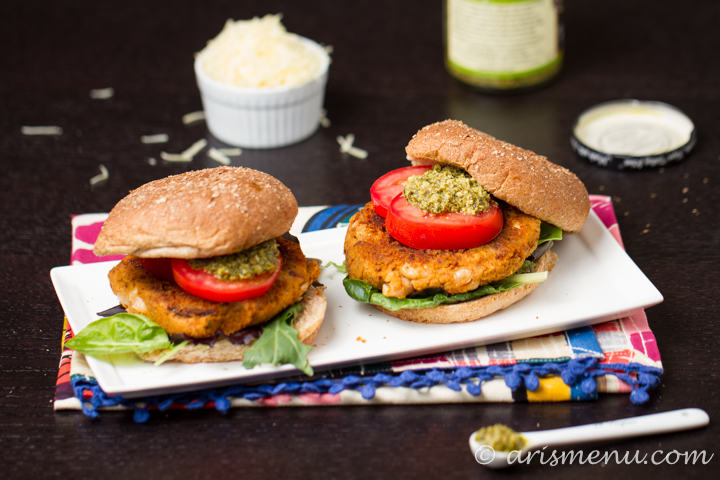 Sun-dried Tomato & Basil White Bean Burgers #vegan #glutenfree via arismenu.com