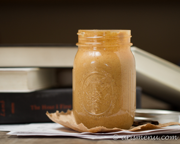 Vanilla Bean Honey Roasted Peanut Butter--only 2 ingredients, healthy and made in 5 minutes!